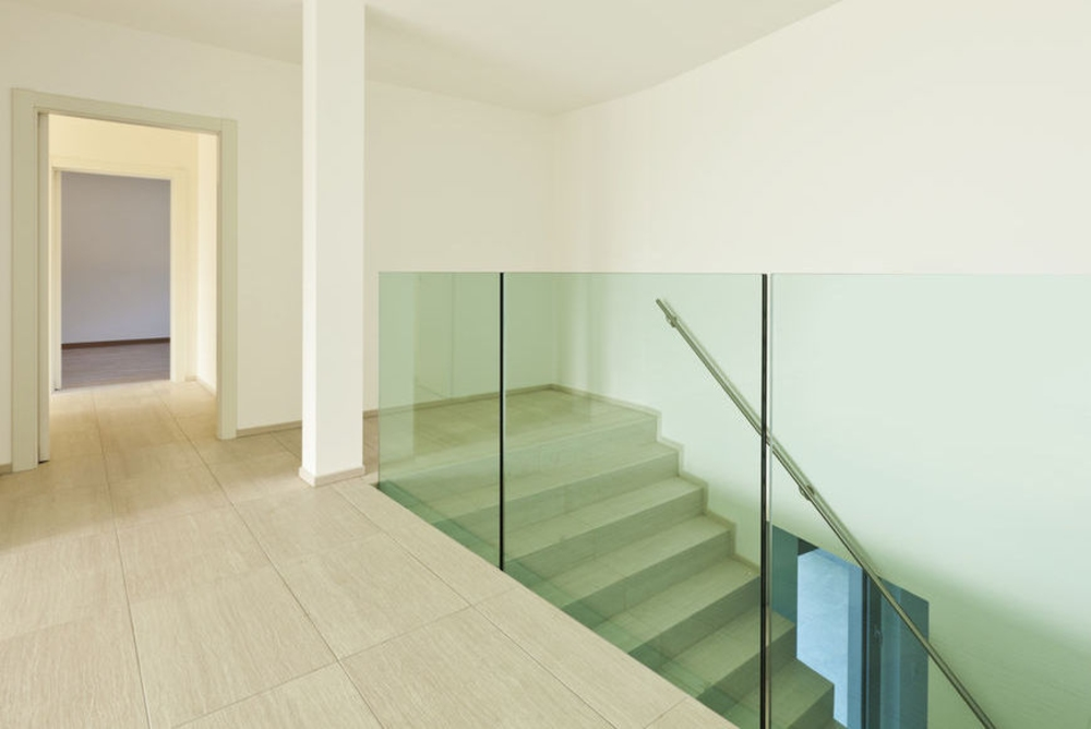 Strutture in vetro ringhiere e balaustre per la casa for Piani domestici moderni per piccoli lotti