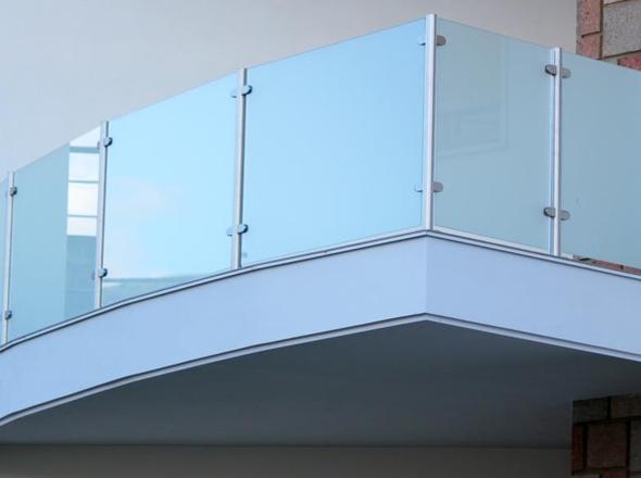 Parapetto a vetro inox 316 - Corrimano in vetro per scale ...