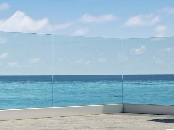 Parapetto in vetro terrazzo senza struttura portante - Parapetto terrazzo ...