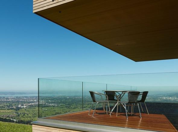 Parapetto in vetro terrazzo con fissaggio fascia a pavimento ...