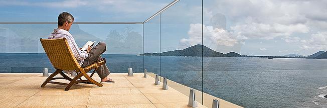 Parapetto in vetro per esterno con fissaggio a morsetti nuova generazione GlassFit