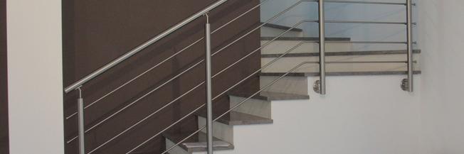 Ringhiera a fissaggio laterale per scala in marmo
