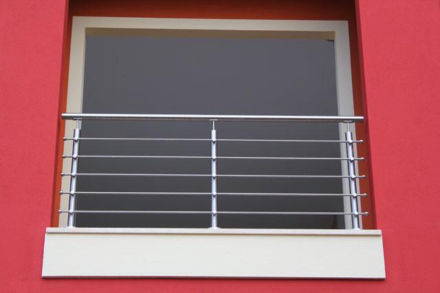 Realizzazione ringhiera per finestra esterna a firenze - Parapetto finestra ...