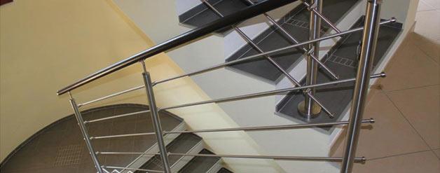 Arredare con le ringhiere in acciaio per scale for Arredare scale